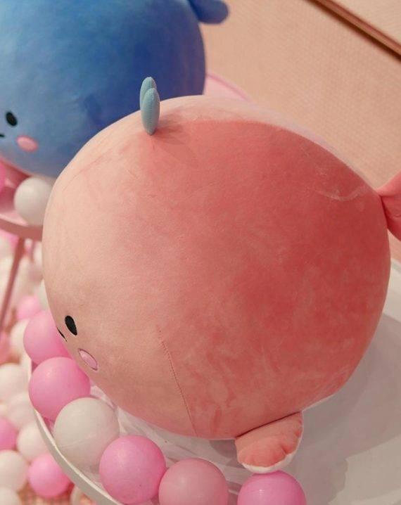 Peluche baleine fluffy bleu ou rose Peluches Cocooning.net